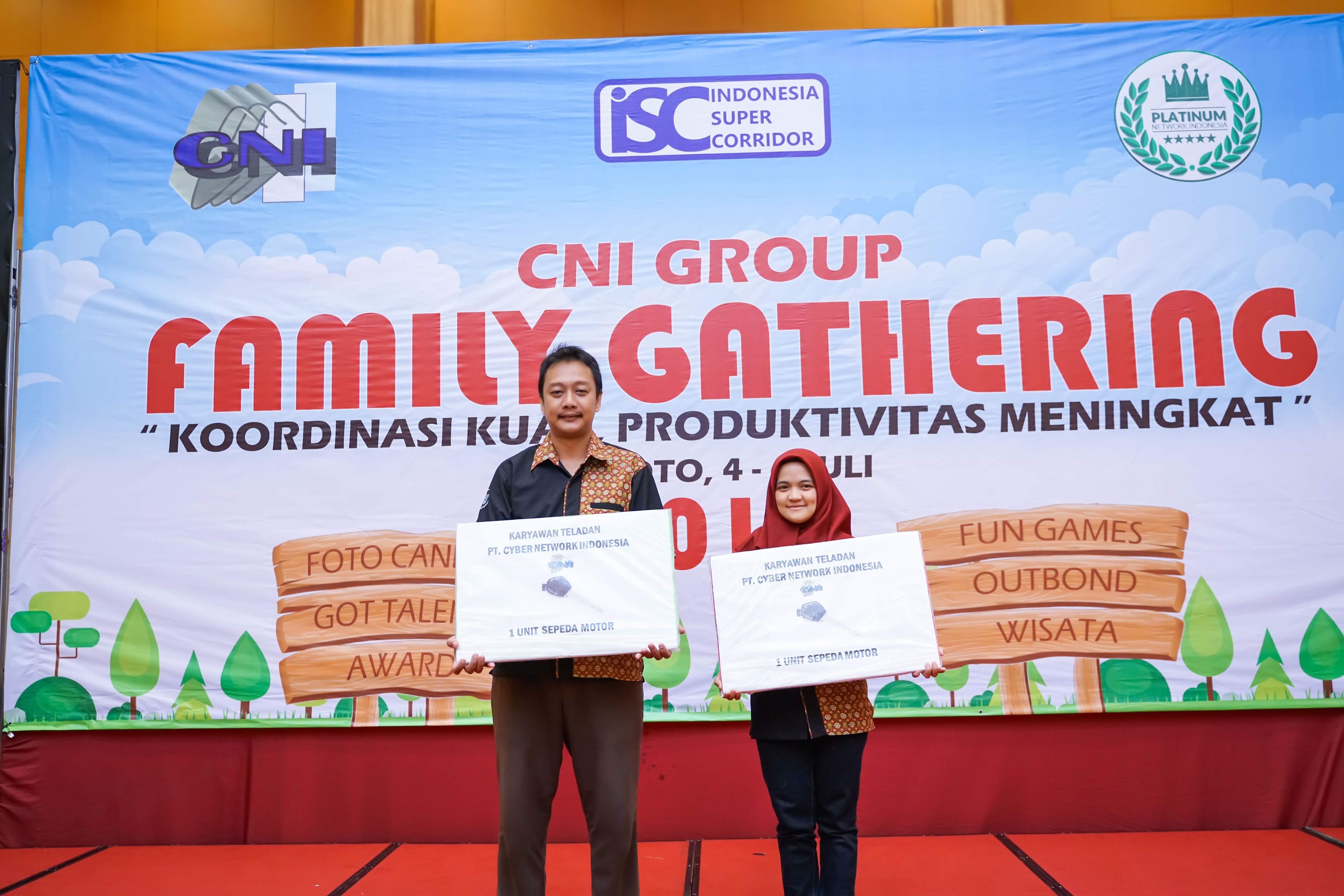 Pemenang Hadiah Karyawan Teladan